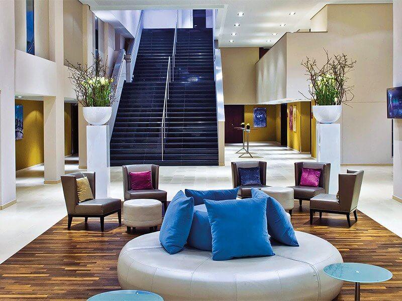 Cruciform Foyer Seminar Room : מתקנים ושירותים מלון לאונרדו רויאל מינכן leonardo royal