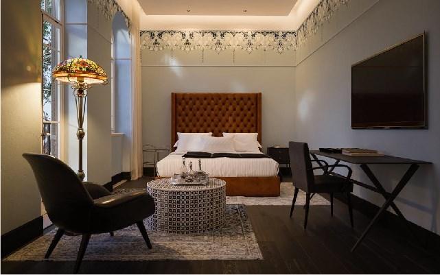1 לילות, בואו להכיר את מלון הבוטיק המעוצב, השוכן במבנה לשימור בעל משמעות היסטורית בלב שדרות רוטשילד התוססות. הזמינו עכשיו ותיהנו מ – 10% הנחה,
